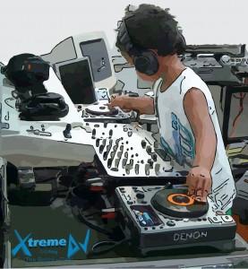 DJ_mixando_CD_Player_-_classificacao_das_especialidades_profissionais_dos_DJs_imagem_06