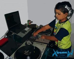 DJ_mixando_Toca-Discos_Vinil_-_classificacao_das_especialidades_profissionais_dos_DJs_imagem_07