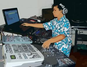 DJ_mixando_controladora_laptop-_classificacao_das_especialidades_profissionais_dos_DJs_imagem_03