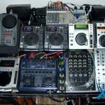 Parte 2 dos equipamentos do lado direito do estúdio do Xtreme DJ